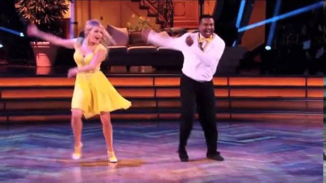 Naljakad tantsuliigutused