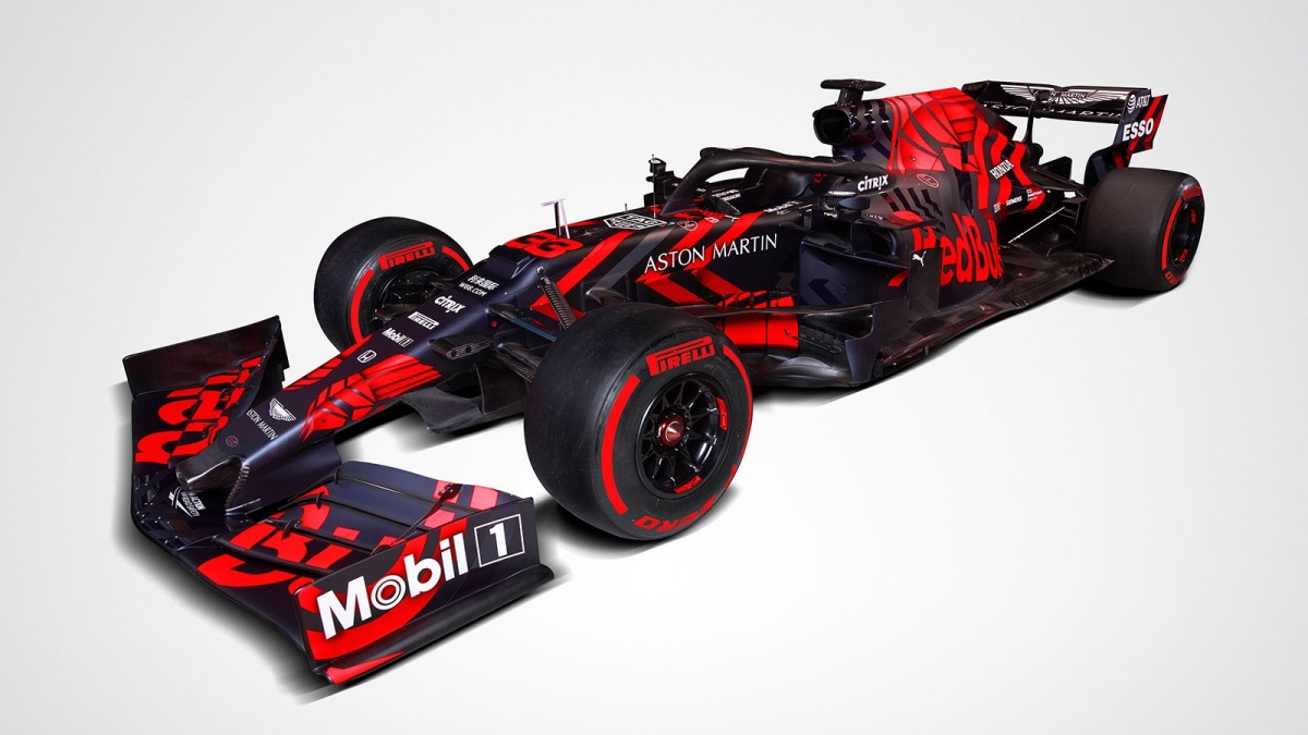 Red Bull tegi Silverstone ringrajal oma esimesed ringid uue masinaga