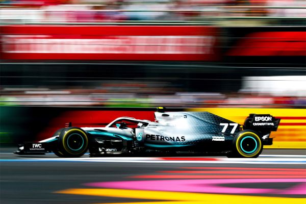 Mercedes kavaldas Mehhikos Ferrari üle ja Hamilton võitis võistluse